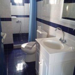 Отель Roula Villa 2* Стандартный семейный номер с двуспальной кроватью фото 5