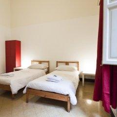 Mamamia Hostel and Guesthouse Кровать в общем номере с двухъярусной кроватью фото 9
