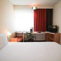Отель ibis Hotel Düsseldorf Hauptbahnhof Германия, Дюссельдорф - 3 отзыва об отеле, цены и фото номеров - забронировать отель ibis Hotel Düsseldorf Hauptbahnhof онлайн комната для гостей фото 5