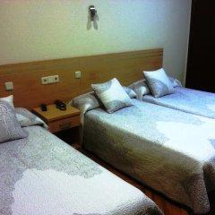 Отель Hostal Avenida Стандартный номер с 2 отдельными кроватями фото 9