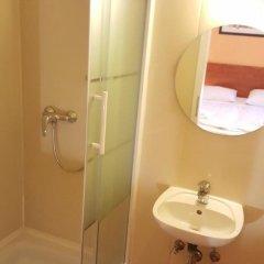 Отель Pension Madara Вена ванная