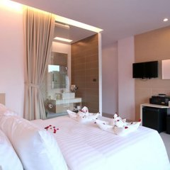 My Hotel 3* Улучшенный номер с двуспальной кроватью фото 10