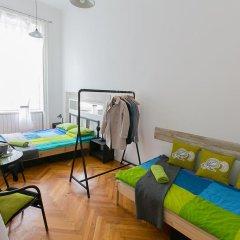 Friends Hostel and Apartments Budapest Стандартный номер фото 5