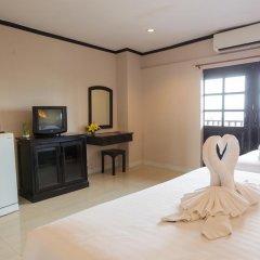 Отель Golden Tulip Essential Pattaya 4* Улучшенный номер с различными типами кроватей фото 20