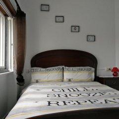 Lisbon Cosy Hostel Стандартный номер с двуспальной кроватью (общая ванная комната)