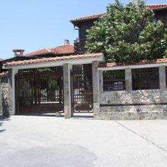 Отель House at the Seaside Болгария, Поморие - отзывы, цены и фото номеров - забронировать отель House at the Seaside онлайн парковка