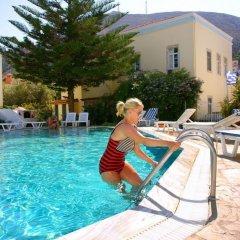 Отель Katerina Apartments Греция, Калимнос - отзывы, цены и фото номеров - забронировать отель Katerina Apartments онлайн бассейн фото 3