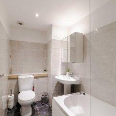 Отель Cosy 1 Bedroomed Central London Великобритания, Лондон - отзывы, цены и фото номеров - забронировать отель Cosy 1 Bedroomed Central London онлайн ванная