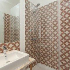 Отель Lisbon Old Town Guest House 3* Люкс с различными типами кроватей фото 13