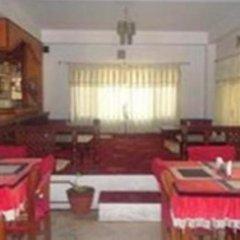 Отель Swayambhu Peace Zone Hotel Непал, Катманду - отзывы, цены и фото номеров - забронировать отель Swayambhu Peace Zone Hotel онлайн питание
