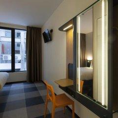 Отель easyHotel Brussels City Centre 3* Улучшенный номер с различными типами кроватей фото 7