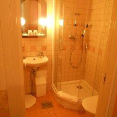 Отель Poska Villa Guesthouse ванная фото 2