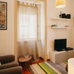 Отель Traveling To Lisbon Alfama Apartments Португалия, Лиссабон - отзывы, цены и фото номеров - забронировать отель Traveling To Lisbon Alfama Apartments онлайн комната для гостей фото 4
