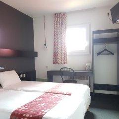 Best Hotel - Montsoult La Croix Verte 2* Стандартный номер с различными типами кроватей фото 2