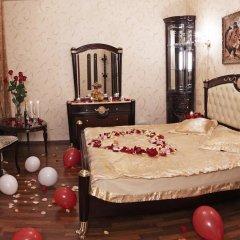 Мини-Отель Алекс на Марата Люкс с различными типами кроватей