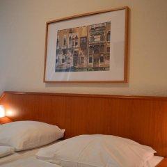 Hotel Mercedes Hamburg 3* Стандартный номер с различными типами кроватей фото 5