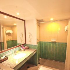 Отель Phuket Orchid Resort and Spa 4* Стандартный семейный номер с разными типами кроватей фото 10