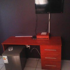 Отель Mmalai Guest House Габороне удобства в номере