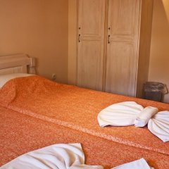 Отель Ulpia House Стандартный номер с двуспальной кроватью (общая ванная комната) фото 8