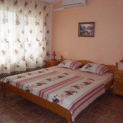 Отель Guest House Cherno More Болгария, Поморие - отзывы, цены и фото номеров - забронировать отель Guest House Cherno More онлайн комната для гостей фото 5