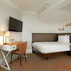 Отель Hilton London Hyde Park 4* Улучшенный номер с различными типами кроватей фото 4