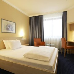 Отель IntercityHotel Nürnberg 3* Стандартный номер с двуспальной кроватью фото 2