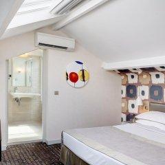 Отель Hôtel A La Villa des Artistes 3* Люкс с различными типами кроватей фото 4