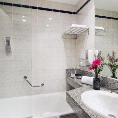 Отель Holiday Inn Express Valencia-San Luis Испания, Валенсия - отзывы, цены и фото номеров - забронировать отель Holiday Inn Express Valencia-San Luis онлайн ванная фото 2