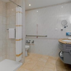 Отель Marriott Armenia Hotel Yerevan Армения, Ереван - 12 отзывов об отеле, цены и фото номеров - забронировать отель Marriott Armenia Hotel Yerevan онлайн ванная фото 2