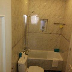 Отель Yellow House - Holiday's House ванная