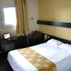 Best Hotel - Montsoult La Croix Verte 2* Номер Комфорт с двуспальной кроватью