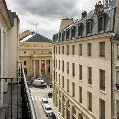 Grand Hotel Des Balcons Париж балкон