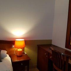 Отель Hostal LK Стандартный номер с различными типами кроватей фото 2