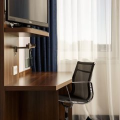 Отель Holiday Inn Express Amsterdam - Sloterdijk Station 3* Стандартный номер с различными типами кроватей фото 9