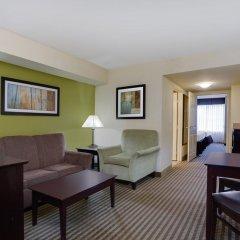 Отель Holiday Inn Express & Suites Sarasota East комната для гостей