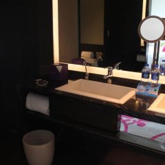 Wongtee V Hotel 5* Улучшенный номер с различными типами кроватей фото 6