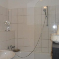 Отель Privatzimmer Düsseldorf Германия, Дюссельдорф - отзывы, цены и фото номеров - забронировать отель Privatzimmer Düsseldorf онлайн ванная