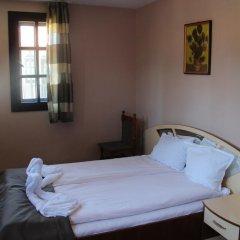 Отель Holiday Village Kedar Болгария, Долна баня - отзывы, цены и фото номеров - забронировать отель Holiday Village Kedar онлайн комната для гостей фото 5