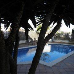 Отель Villa Dorada – Piscina Y Billar Испания, Калафель - отзывы, цены и фото номеров - забронировать отель Villa Dorada – Piscina Y Billar онлайн бассейн