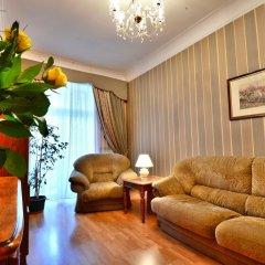 Отель Khreshchatyk Suites Киев комната для гостей фото 3