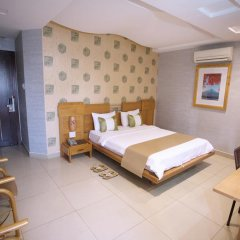 Thuy Sakura Hotel & Serviced Apartment 3* Номер Делюкс с различными типами кроватей фото 8