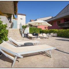 Отель Catania Hills Residence Италия, Сан-Грегорио-ди-Катанья - отзывы, цены и фото номеров - забронировать отель Catania Hills Residence онлайн бассейн