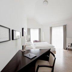 Burns Art Hotel 4* Стандартный номер с различными типами кроватей фото 4