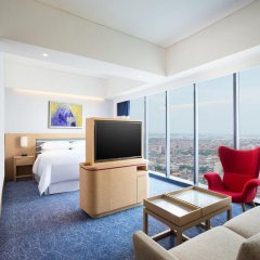 Отель Four Points By Sheraton Surabaya 4* Номер Делюкс фото 2