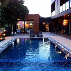 Отель Villa Gris Pranburi Таиланд, Пак-Нам-Пран - отзывы, цены и фото номеров - забронировать отель Villa Gris Pranburi онлайн бассейн фото 2