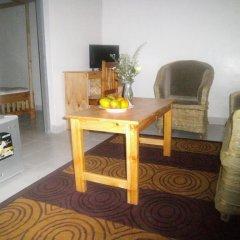 Отель Africana Yard Стандартный номер с различными типами кроватей фото 3