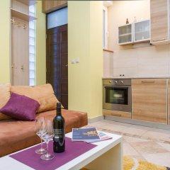 Апартаменты Stay In Apartments комната для гостей фото 2