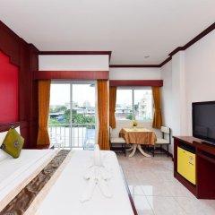 Отель Art Mansion Patong 3* Улучшенный номер с двуспальной кроватью фото 6