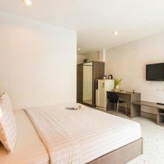 Отель The Fifth Residence 3* Улучшенный номер с двуспальной кроватью фото 9