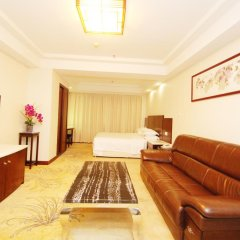 Overseas Chinese Friendship Hotel 3* Люкс с различными типами кроватей фото 4